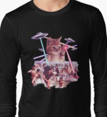 Funny & Cute Cat invader from space Beach Attack UFO & lasers Galaxy Universe T-Shirt