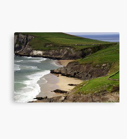 The sandy beach at Couminole Canvas Print