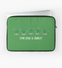 Give peas a chance! (dark) Laptop Sleeve