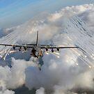 Ein AC-130U Kampfhubschrauber jagt Fackeln über Florida. von StocktrekImages