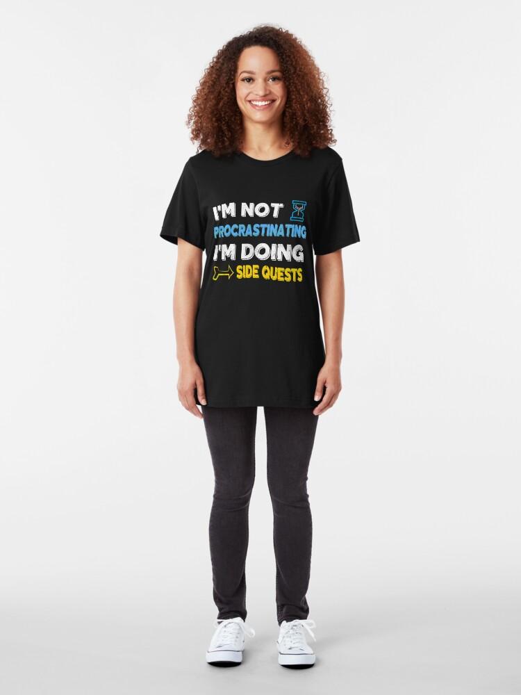 Alternative Ansicht von Ich zögere nicht ... Ich mache Nebenquests Slim Fit T-Shirt