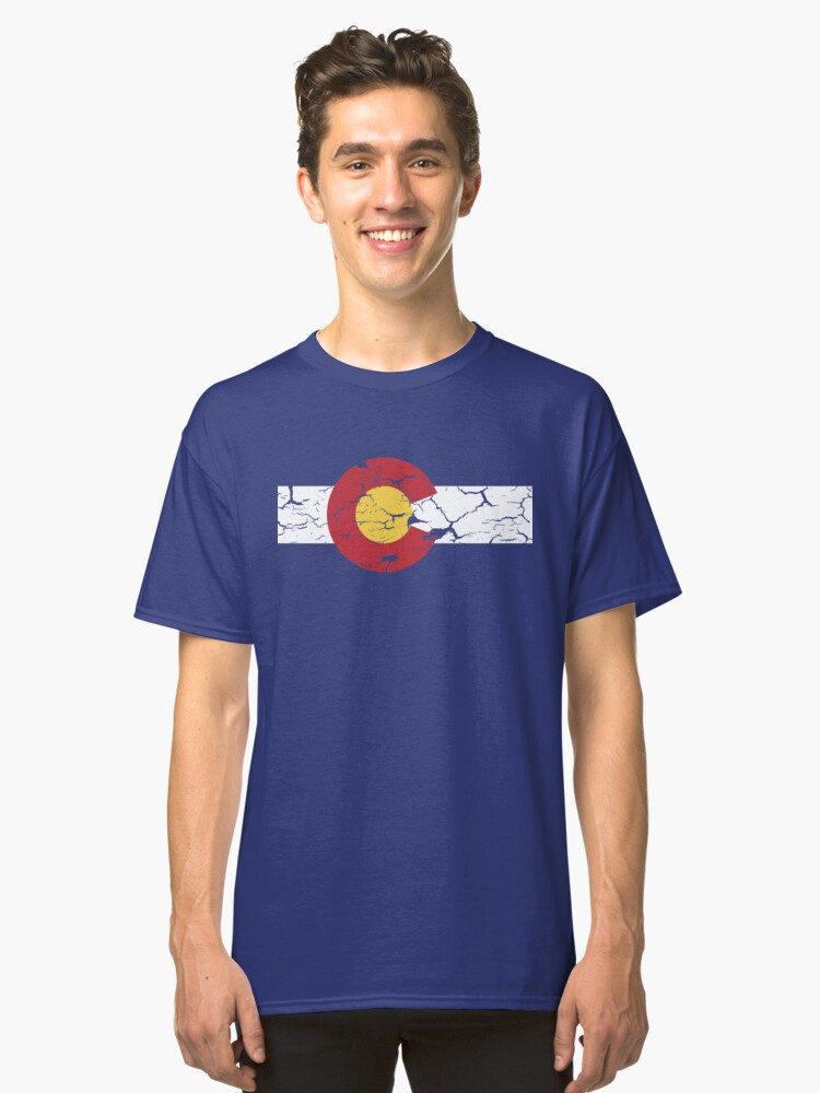 COLORADO STATE FLAG DISTRESSED T-shirt / Vintage Look Classic T-Shirt Front