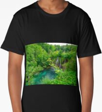 Plitvice Lakes, Croatia. Natural park with waterfalls and turquoise water Long T-Shirt