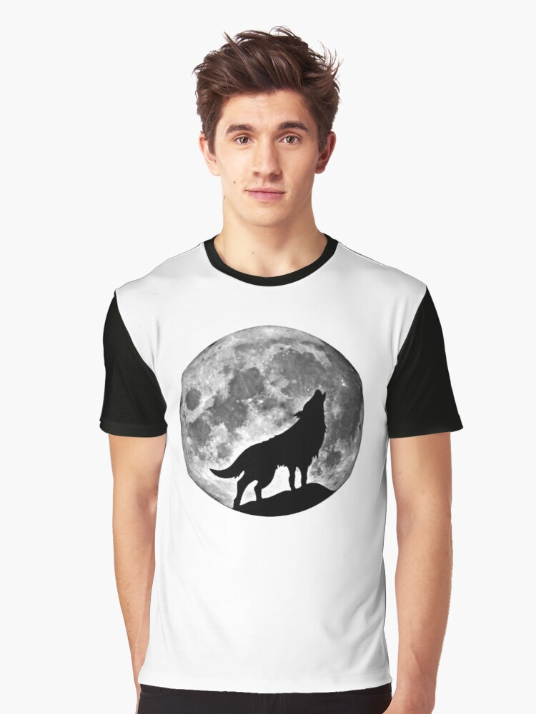 Wolf on the moon Graphic T-Shirt Front