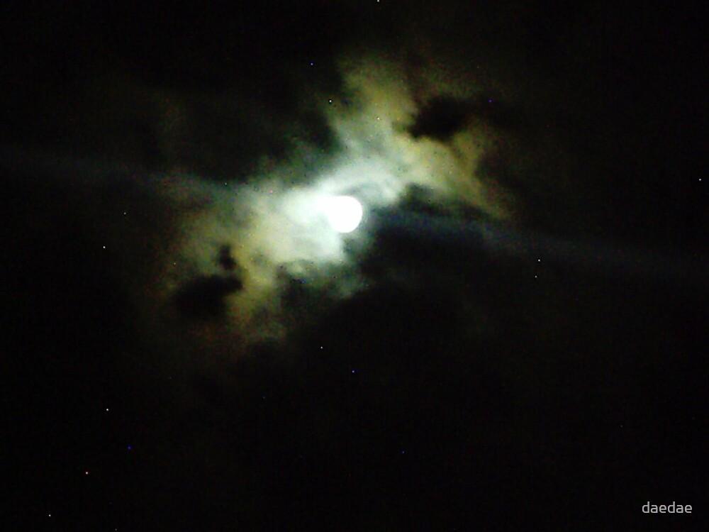 midnight glow by daedae