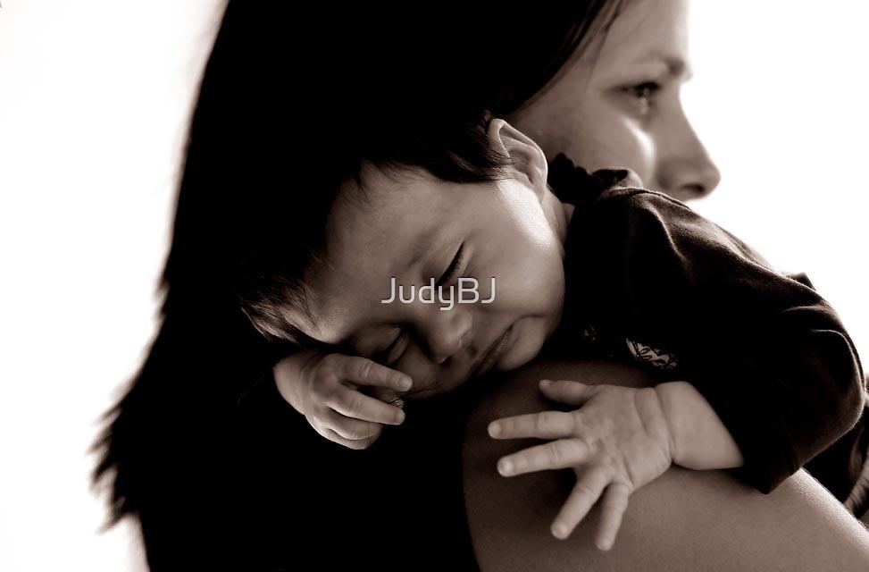 Baby hands by JudyBJ