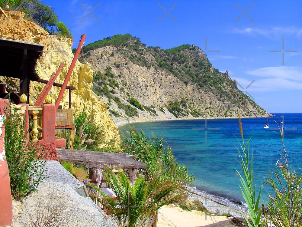 Sol Den Serra Bay by Tom Gomez