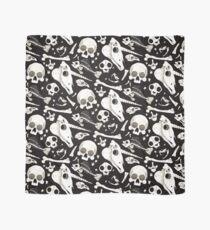 schwarze Schädel und Knochen - Wunderkammer Tuch