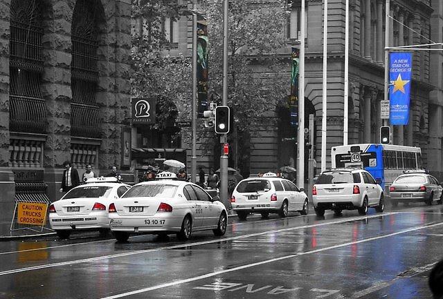 Rainy day downtown Sydney by Tugela