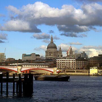 Thames Panorama by frankmedrano