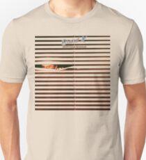 Marke X - unorthodoxes Verhalten Slim Fit T-Shirt