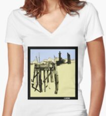 Mamaroneck Bay Women's Fitted V-Neck T-Shirt
