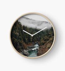 Reloj Río en el bosque