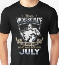 Never Underestimate an Old Man who was Born in July T-shirt Slim Fit T-Shirt