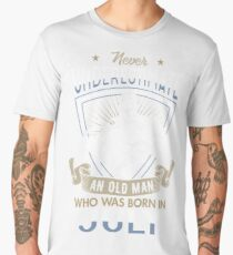 Never Underestimate an Old Man who was Born in July T-shirt Men's Premium T-Shirt
