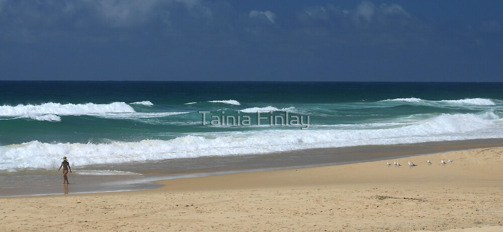 Noosa Surf by Tainia Finlay
