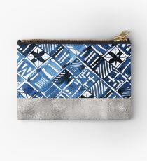 Arabesque tile art ii - silver graphite Studio Pouch