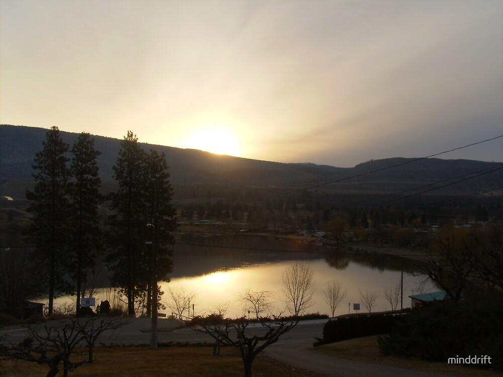 Sunrise over the lake. by minddrift