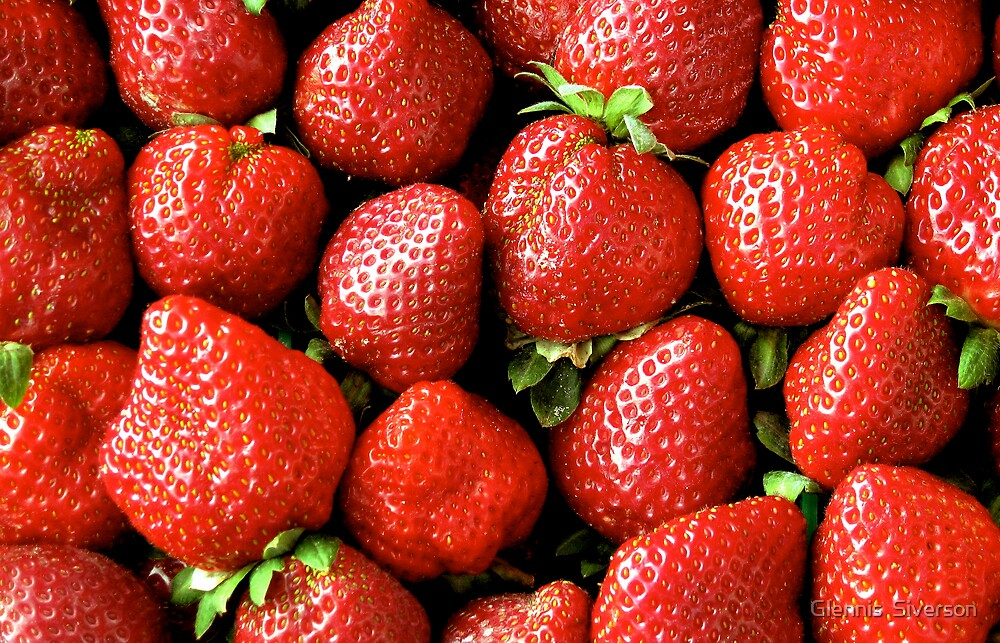 Strawberries by Glennis  Siverson