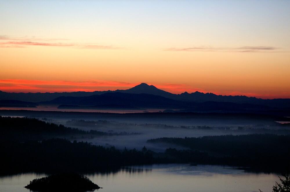 Mount Baker Sunset by tashunka