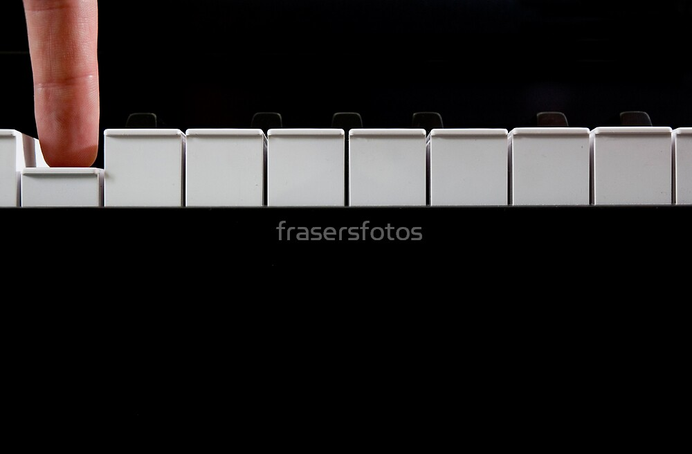 'D' by frasersfotos