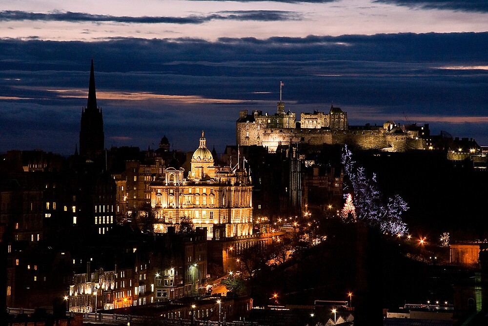 Edinburgh at Night by Kirsty Hodge