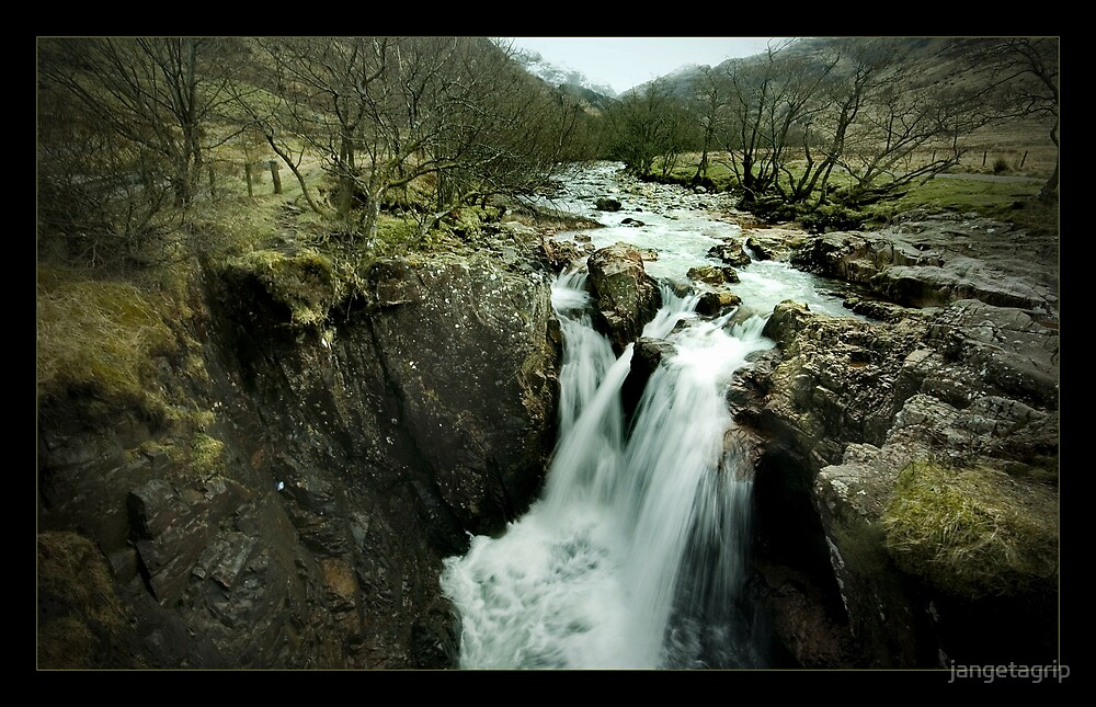 waterfall at Glen Nevis by jangetagrip