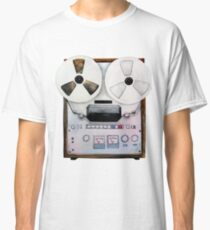 Watercolor reel tape recorder Classic T-Shirt