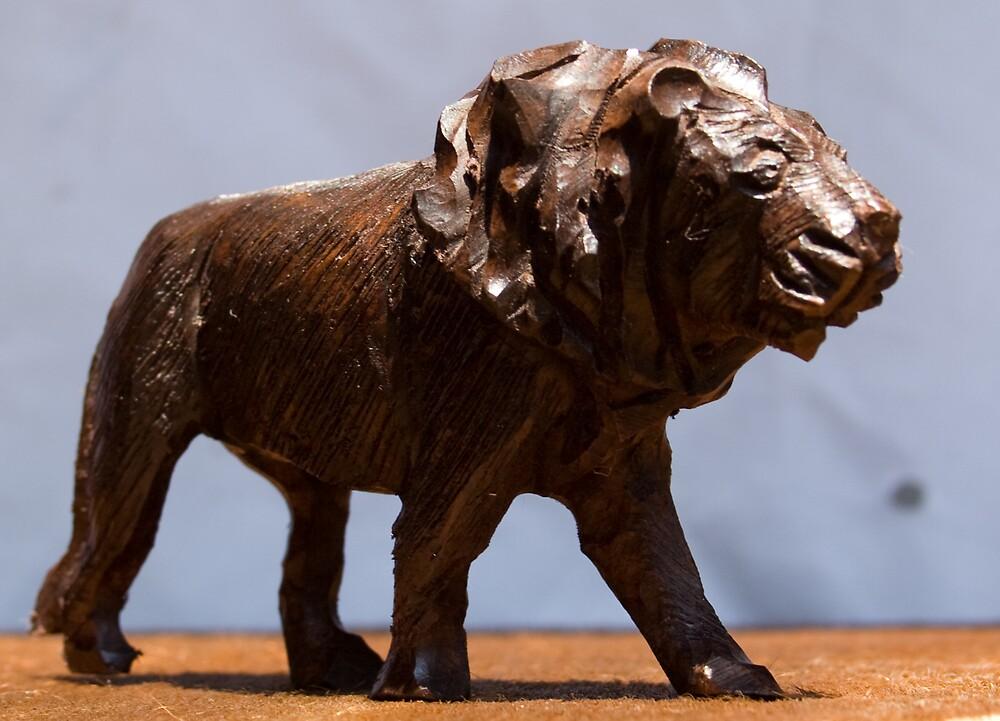Big Five - Lion by Paul Lindenberg