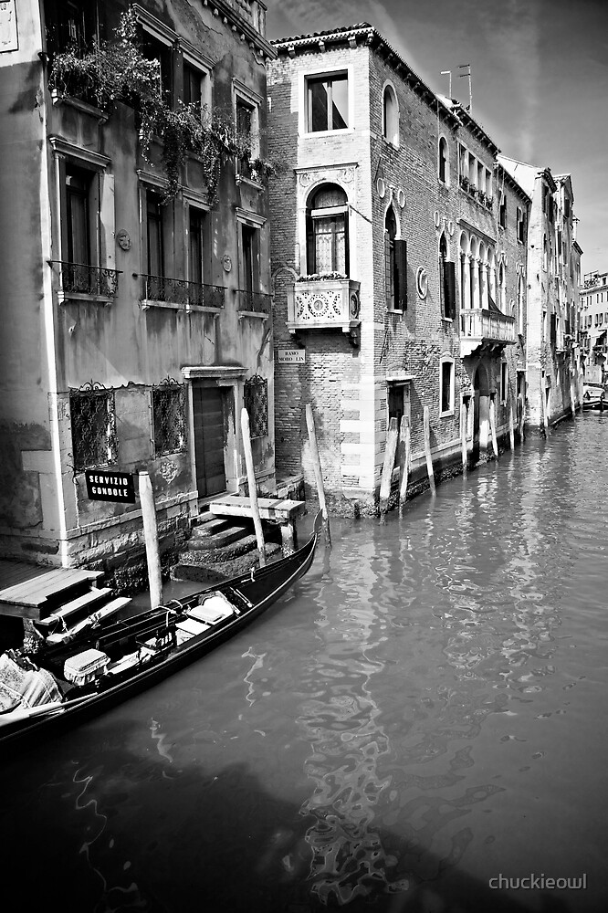 Back street in Venice by chuckieowl