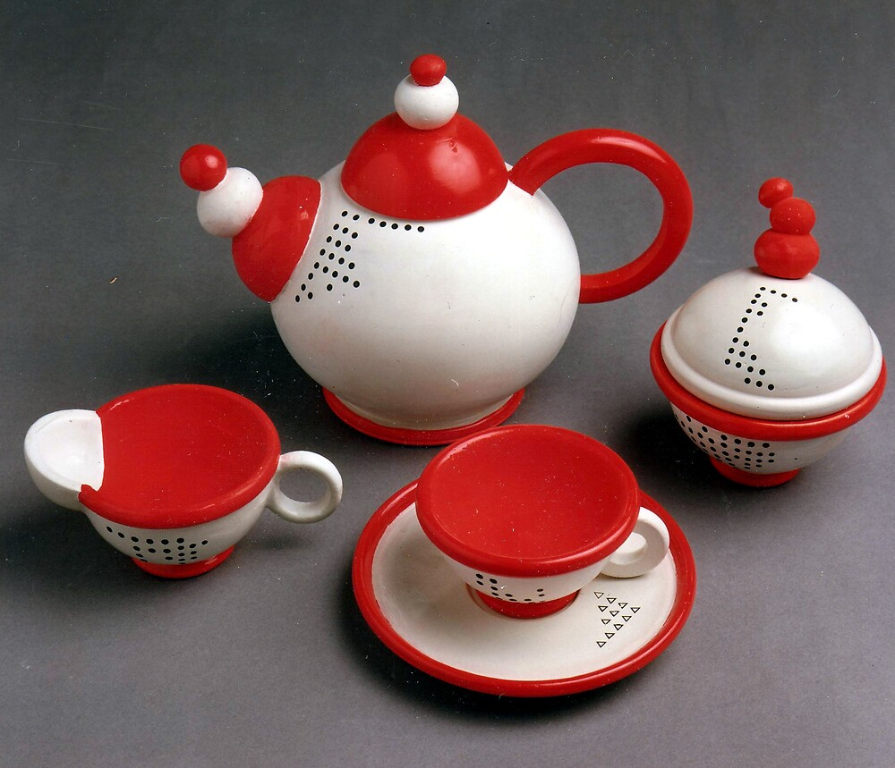 Red teapot by sarandesign