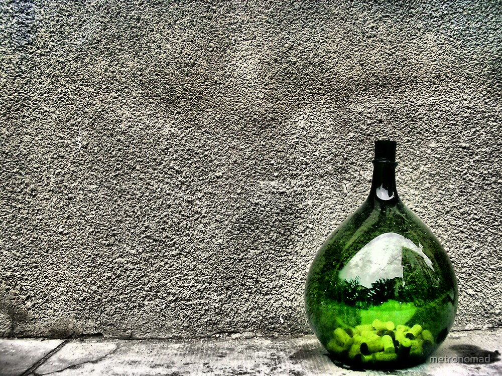 Green Bottle by metronomad