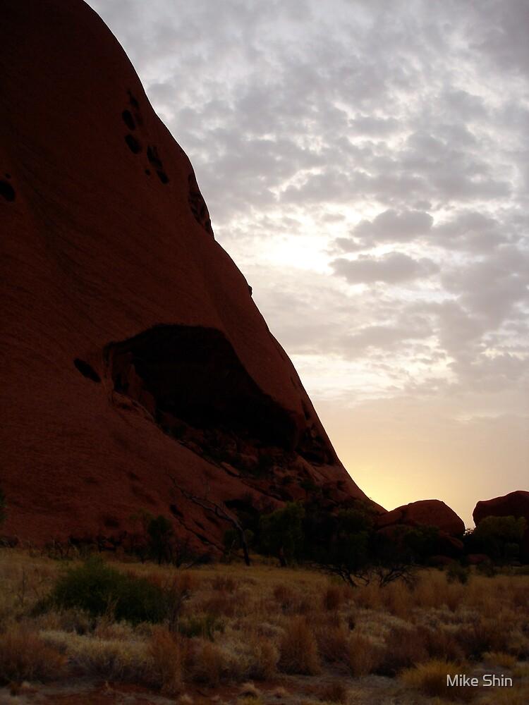 Uluru at Dawn by Mike Shin