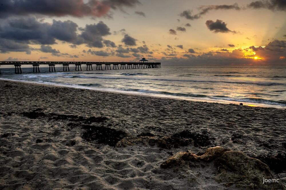 Deerfield fishing pier this morning 3/30/08 by joemc