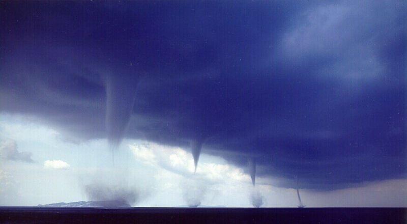 tornadoes by Hunterweaver