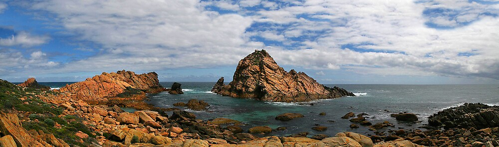 Sugarloaf Rocks by Ian Robertson