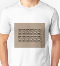 Eadweard Muybridge – 1830-1904 – Locomotion Theory – Horse and Cart – Beige T-Shirt
