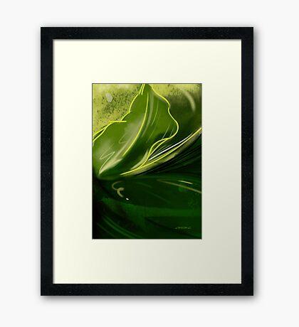 Self-reflecting leaf Framed Print