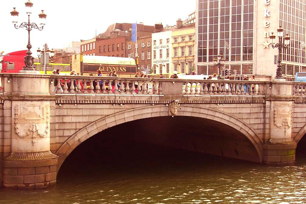 O'Connell Bridge ... by SNAPPYDAVE
