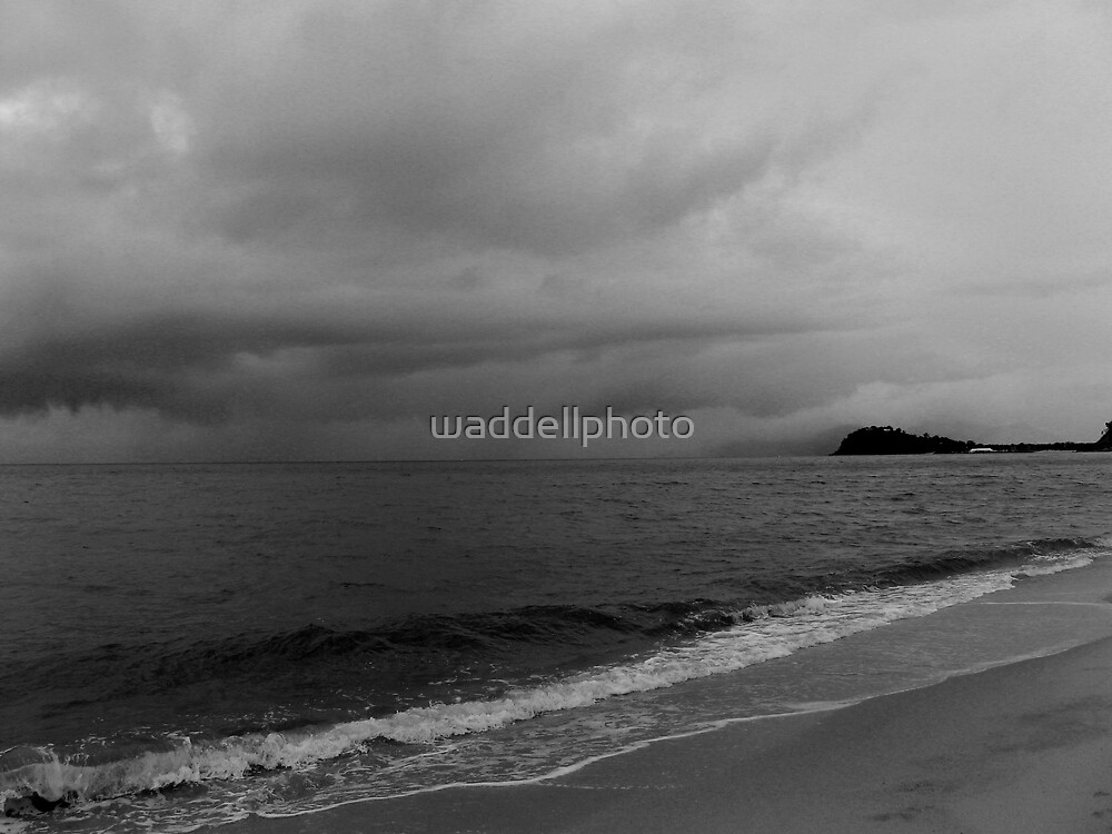 incoming storm by waddellphoto