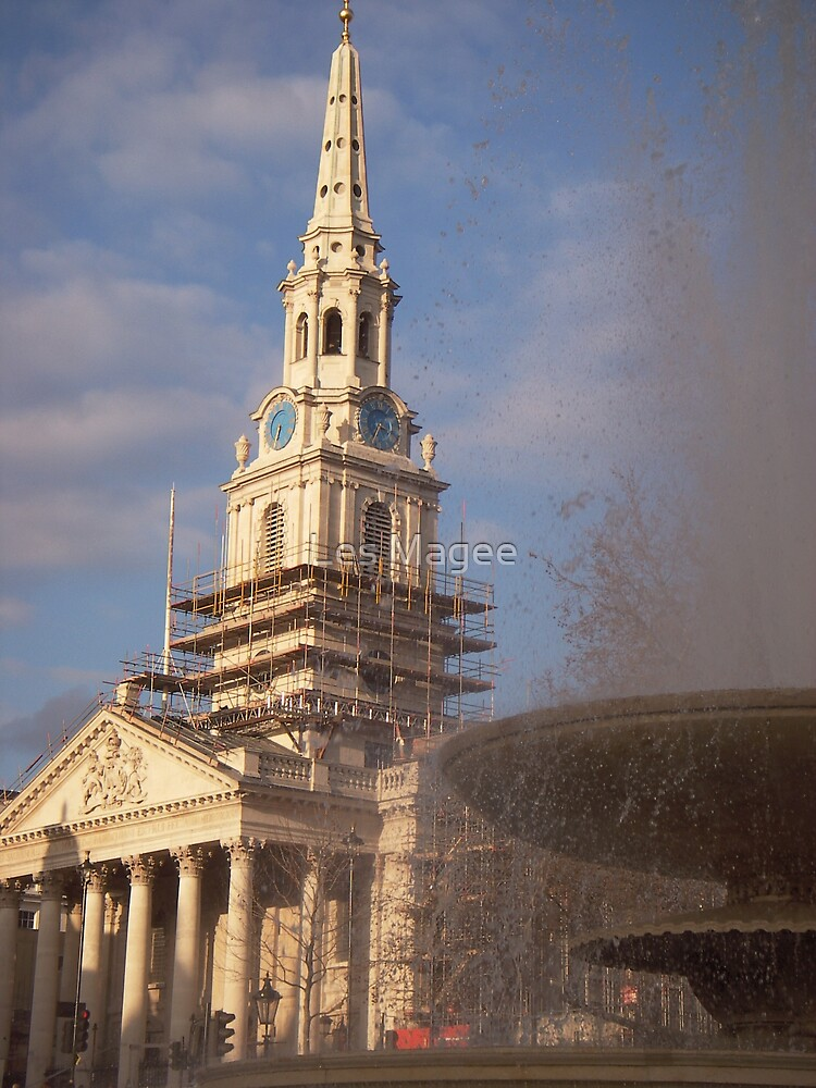 St. Martins and the fountain by Les Magee