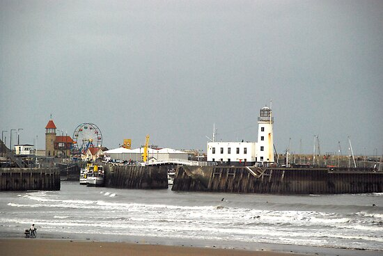 Scarborough, the harbour from the spa by dougie1