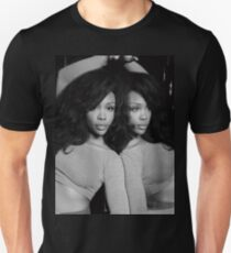 sza reflection b&w Unisex T-Shirt