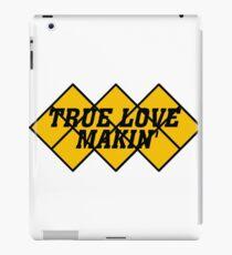 Capcom vs snk 2 cvs2 Classic RARE Design TRUE LOVE MAKIN BLACK. 100% Redrawn In Adobe Illustrator Vector Format. iPad Case/Skin