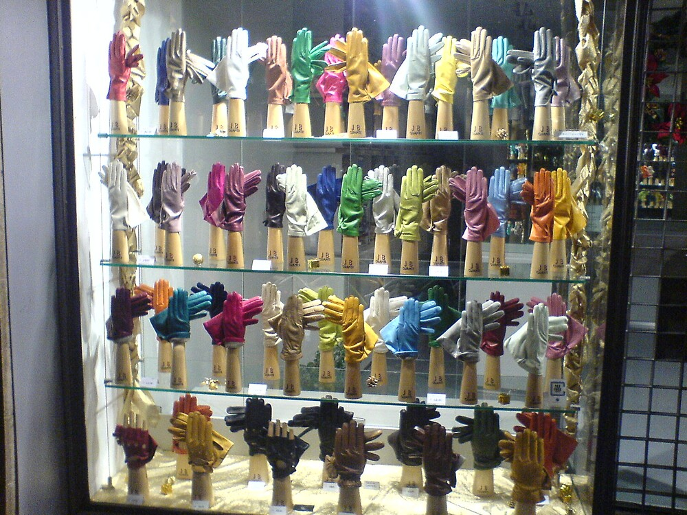 101 Gloves by pinklioness