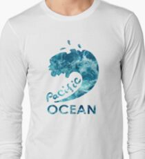 Ocean is shaking T-Shirt