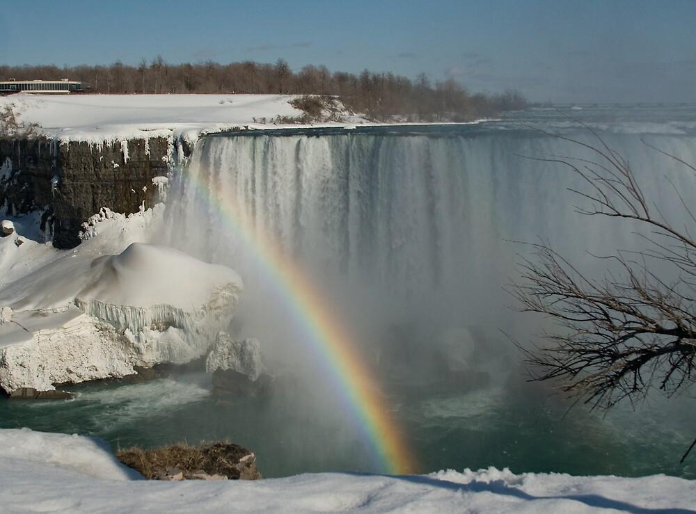 Rainbow at Niagara Falls by greyrose