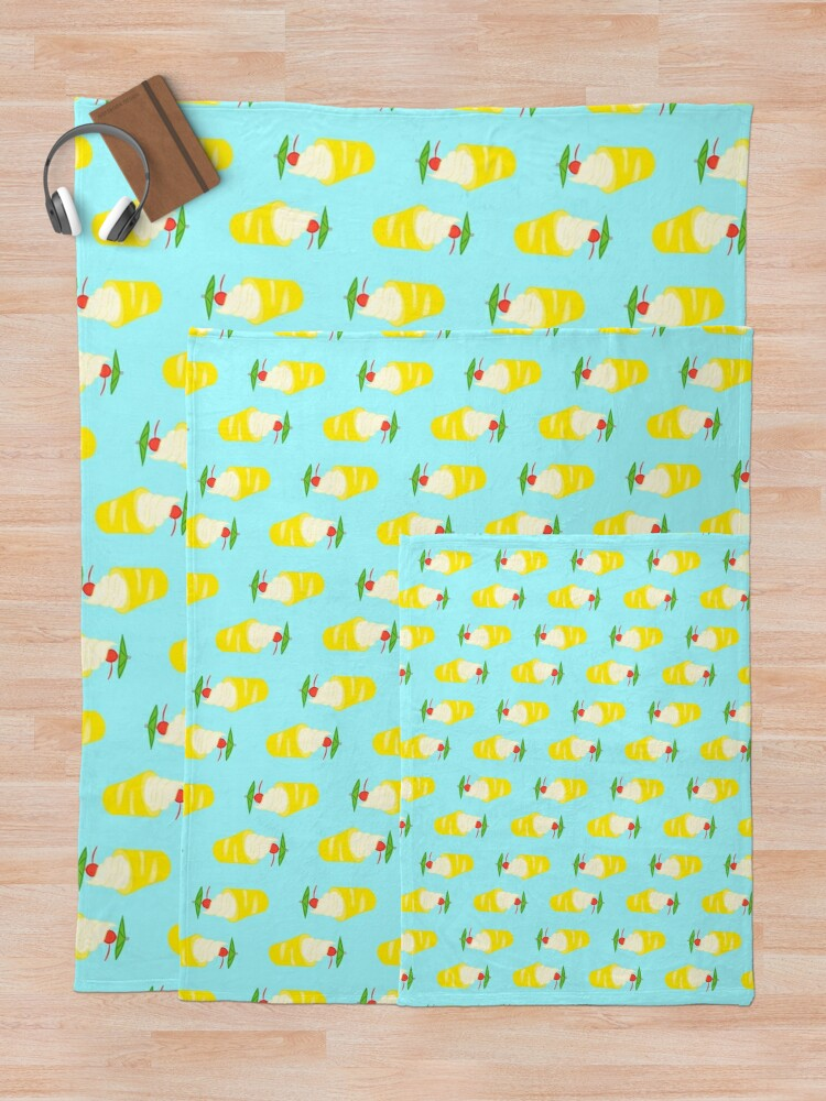 Alternate view of Summer Pineapple Float Throw Blanket