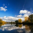 Autumn on the River Thames by heidiannemorris