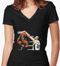 Manu Ginobili Tailliertes T-Shirt mit V-Ausschnitt